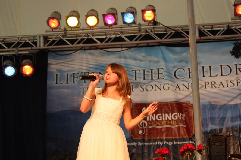 Alyse at Singing In The Foothills 2009.